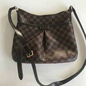 Louis Vuitton Authentic crossbody bag